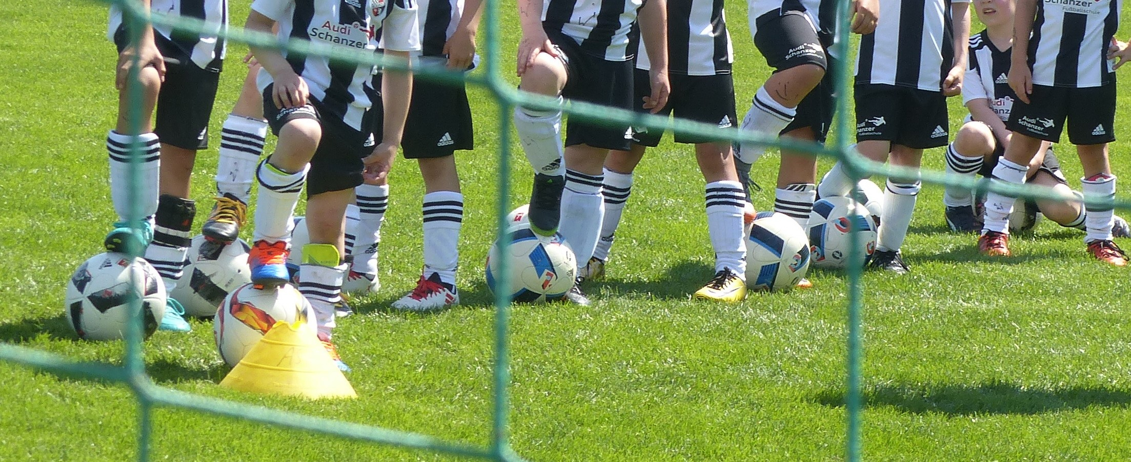 Fußball Kinderbeine